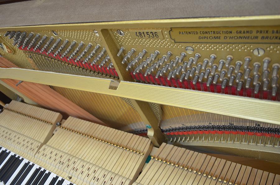 простой инструмент дека пианино фото ангину